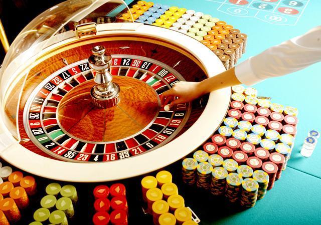 亡国のカジノ解禁法案が修正可決。