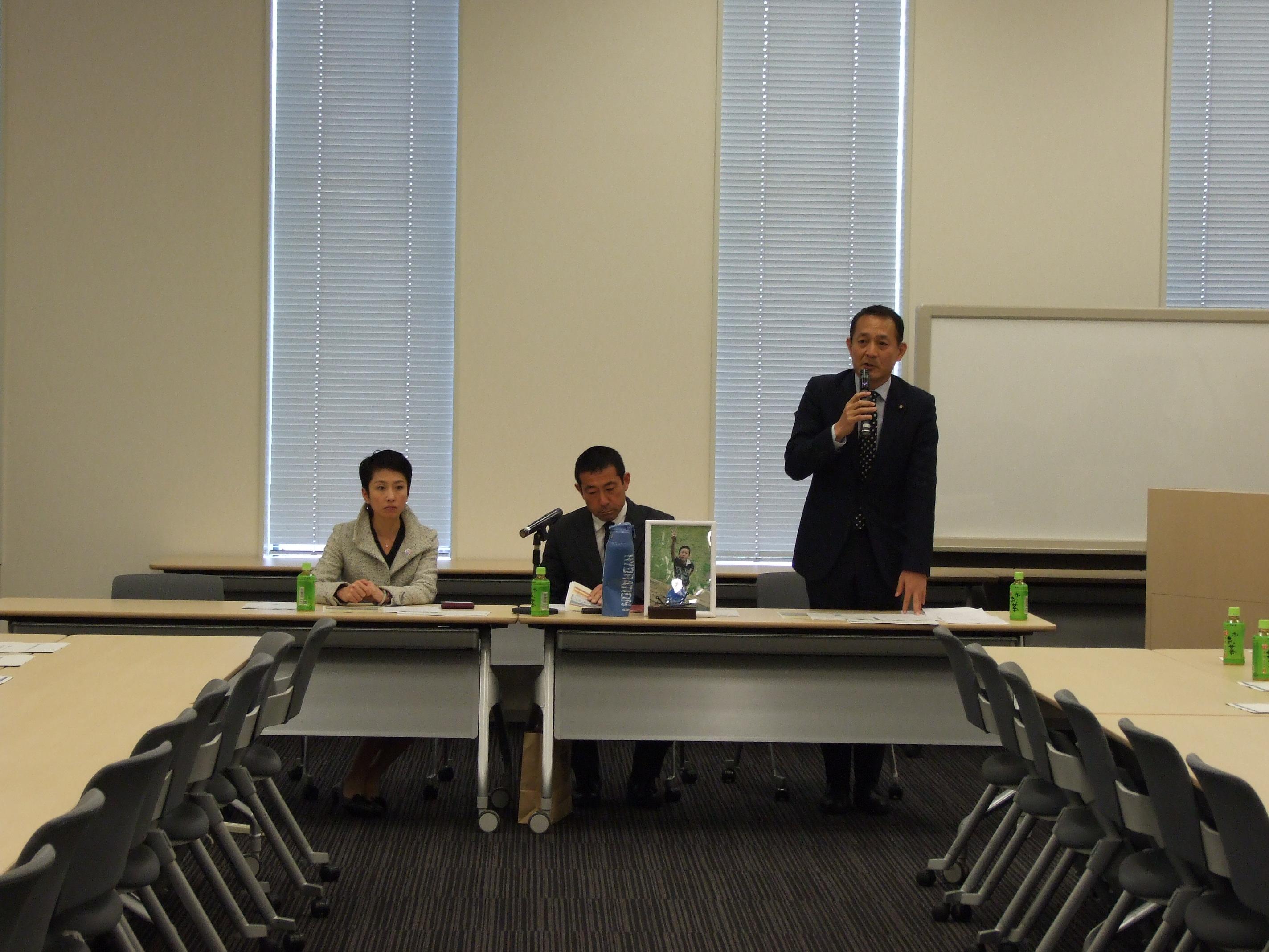則竹崇智さんを招いての通学安全議連総会を開催。